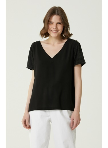 NetWork Network 1079923 Basic V Yaka İşlemeli Kadın Tshirt Siyah
